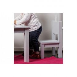chaise-blanche-chambre-meuble-enfant