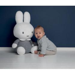 peluche-grande-Miffy-bebe