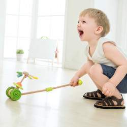 Jouet-en-bois-roulant-pour-enfant