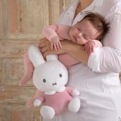 peluche-lapin-rose-bébé