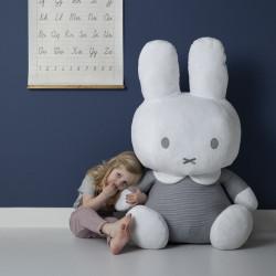 peluche-lapin-geant-cadeau-enfant
