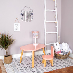 table-rose-chambre-meuble-enfant