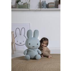 peluche-lapin-Miffy-vert-enfant-calin